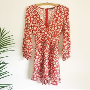 ZARA daisy floral romper with pockets